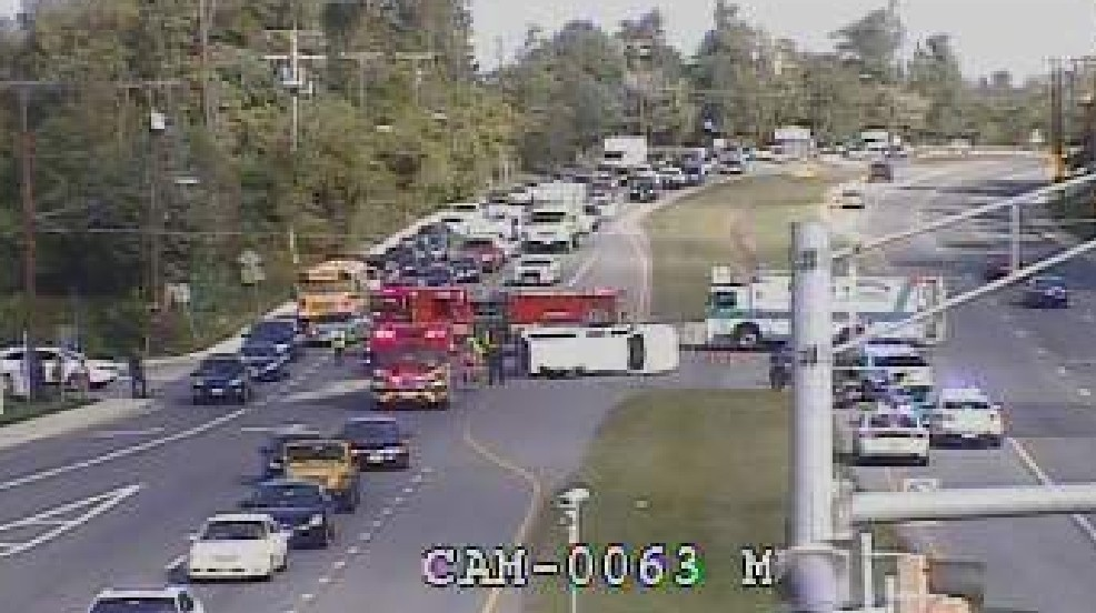 Montgomery County Traffic Cameras >> Multiple People Injured After Vehicle Overturns In