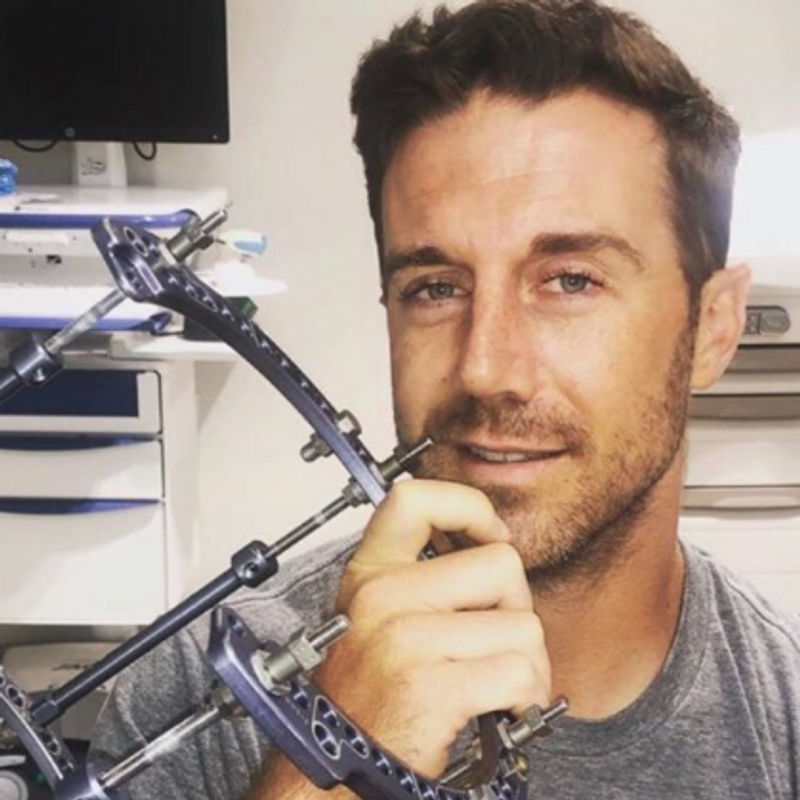 Alex Smith S Grueling Road To Recovery From Leg Injury Being Chronicled In Espn Special Wjla