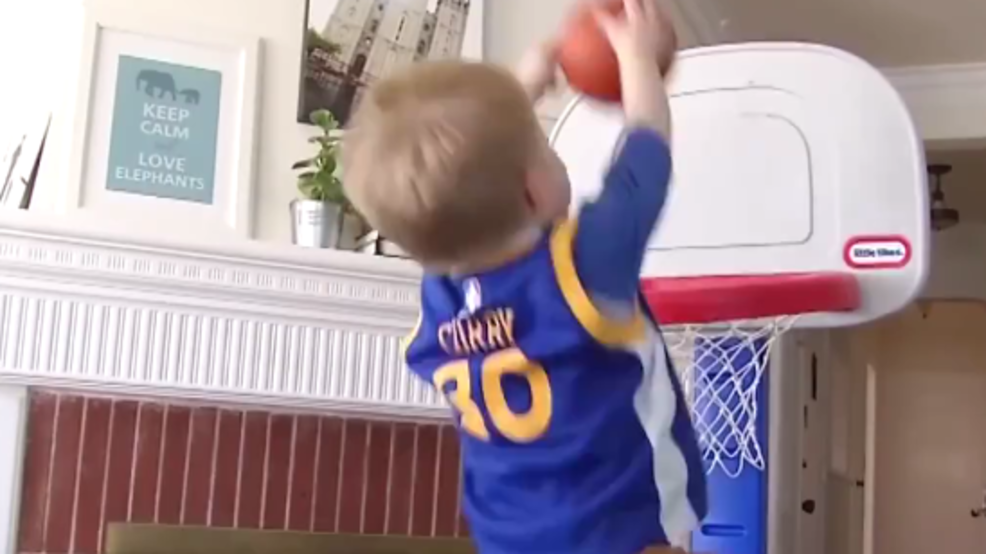 buy online 99e00 5acec This shooting star toddler might be Steph Curry's biggest ...