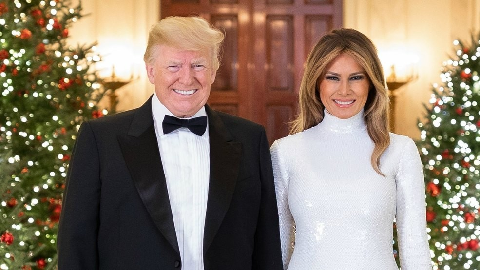 Trump Christmas.Trump Signs Executive Order Giving Federal Employees Day Off