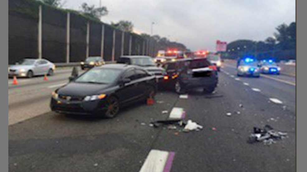 10 vehicle accident leaves 2 injured on I-495 in Fairfax