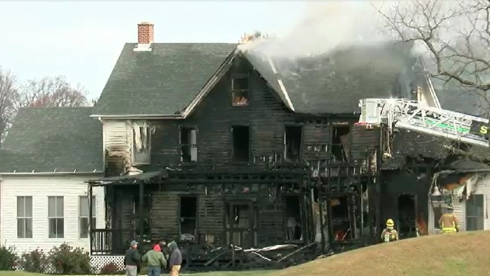 Golf course club house catches fire in Howard County | WJLA