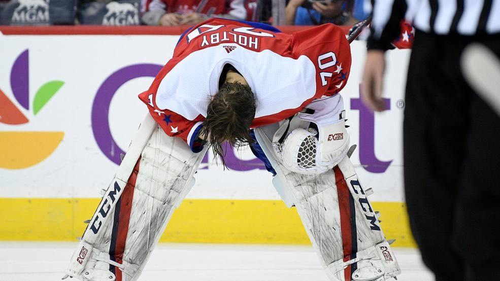 Capitals Fall To Blue Jackets In Ot Braden Holtby Leaves Game With