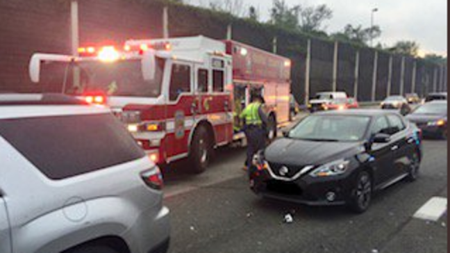 10 vehicle accident leaves 2 injured on I-495 in Fairfax County