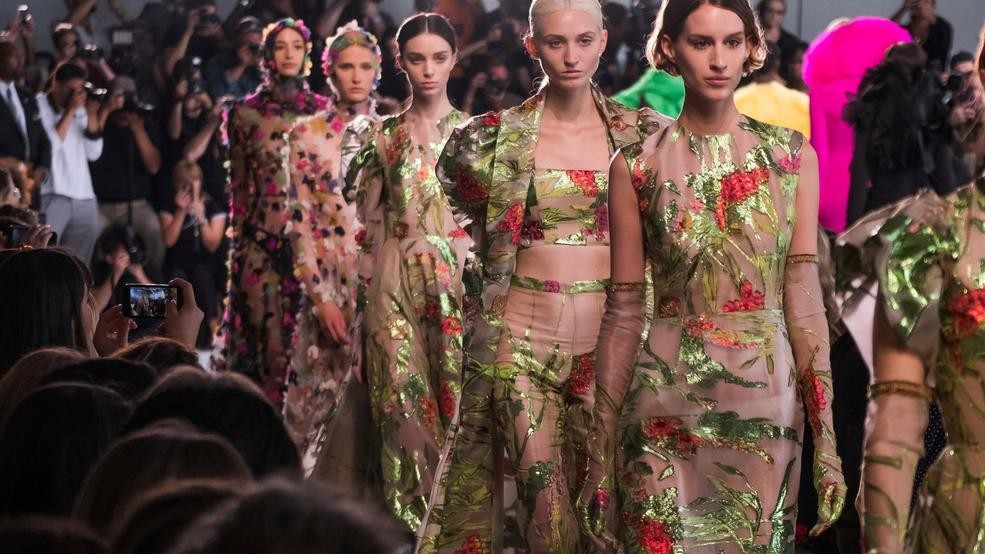 2d11dabc8d8 New York Fashion Week  Siriano offers a psychedelic garden