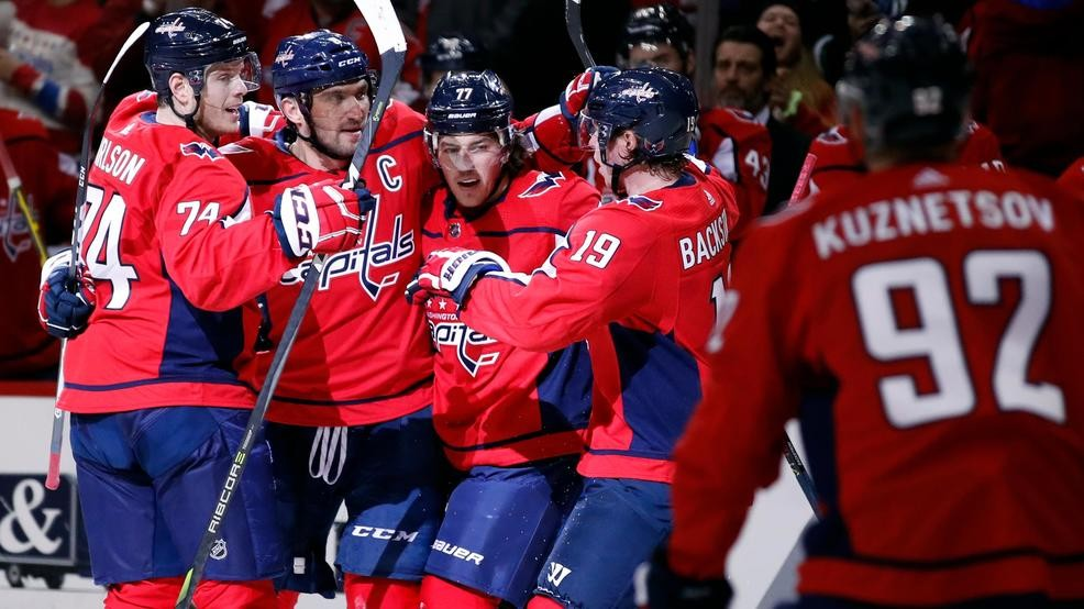 61f2ac9c40e Ovechkin powers Capitals to 4-3 shootout win over Bruins