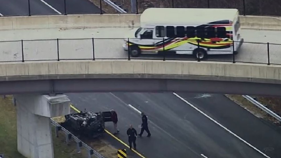 Person drives car off of overpass in Howard County, suffers